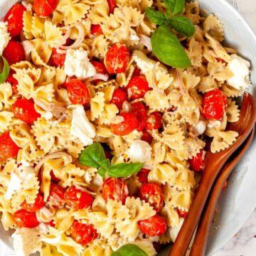 cropped-Caprese-Pasta-Salad-FEATURED-1.jpg